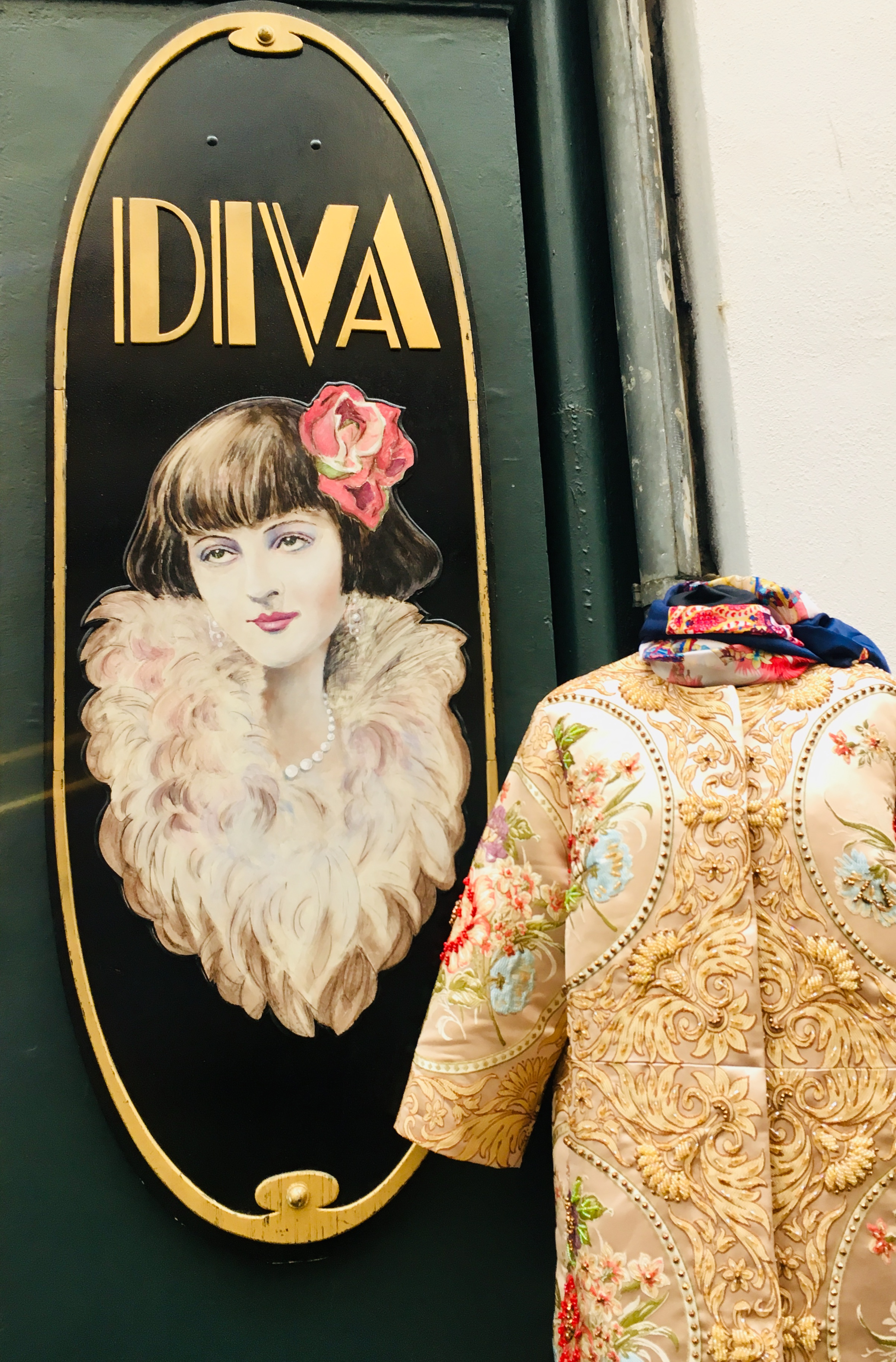 EP's Diva: From Scraps to Splendor